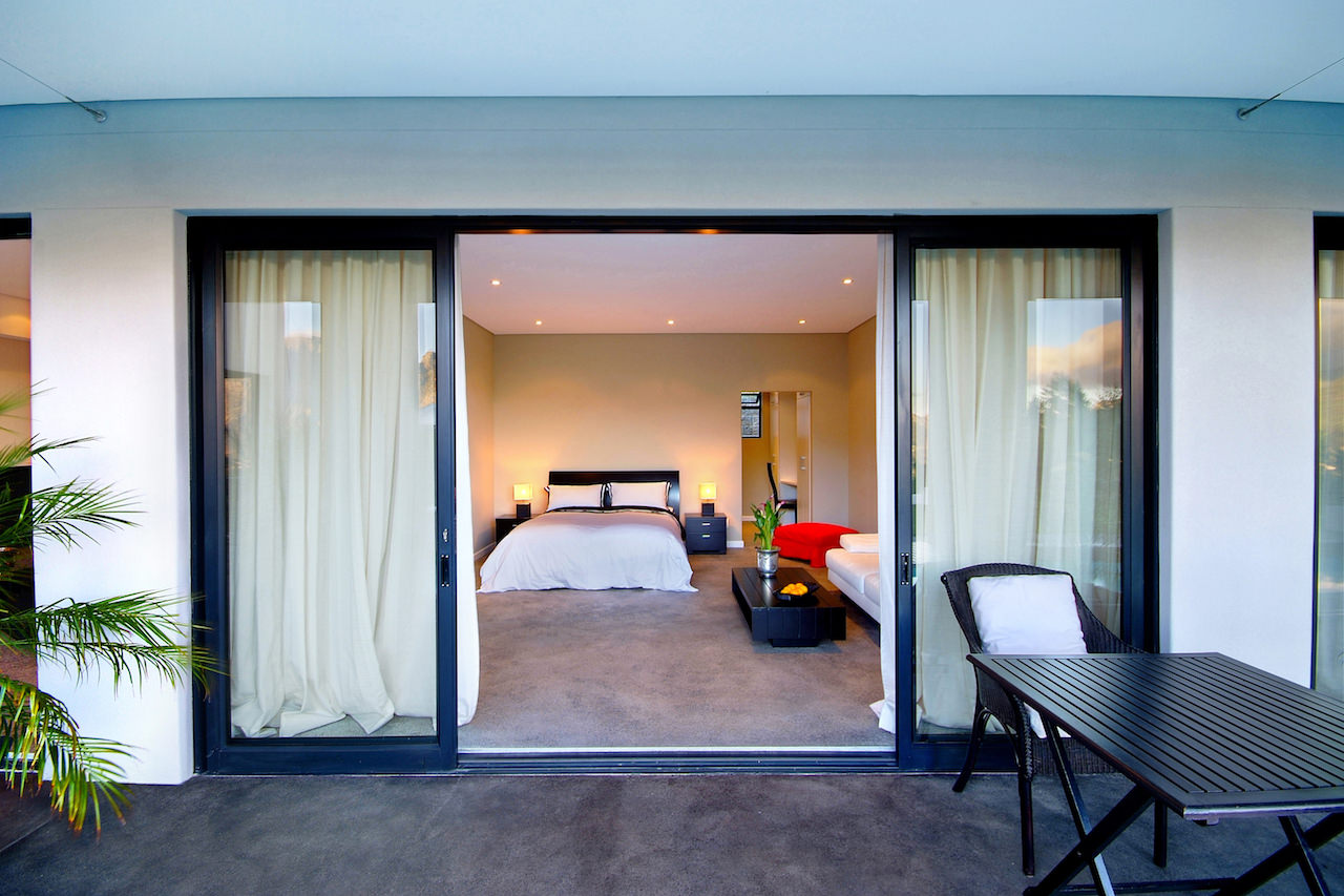 THE PLATINUM BOUTIQUE HOTEL | Minimalistic, yet warm interior of a Pool Suite
