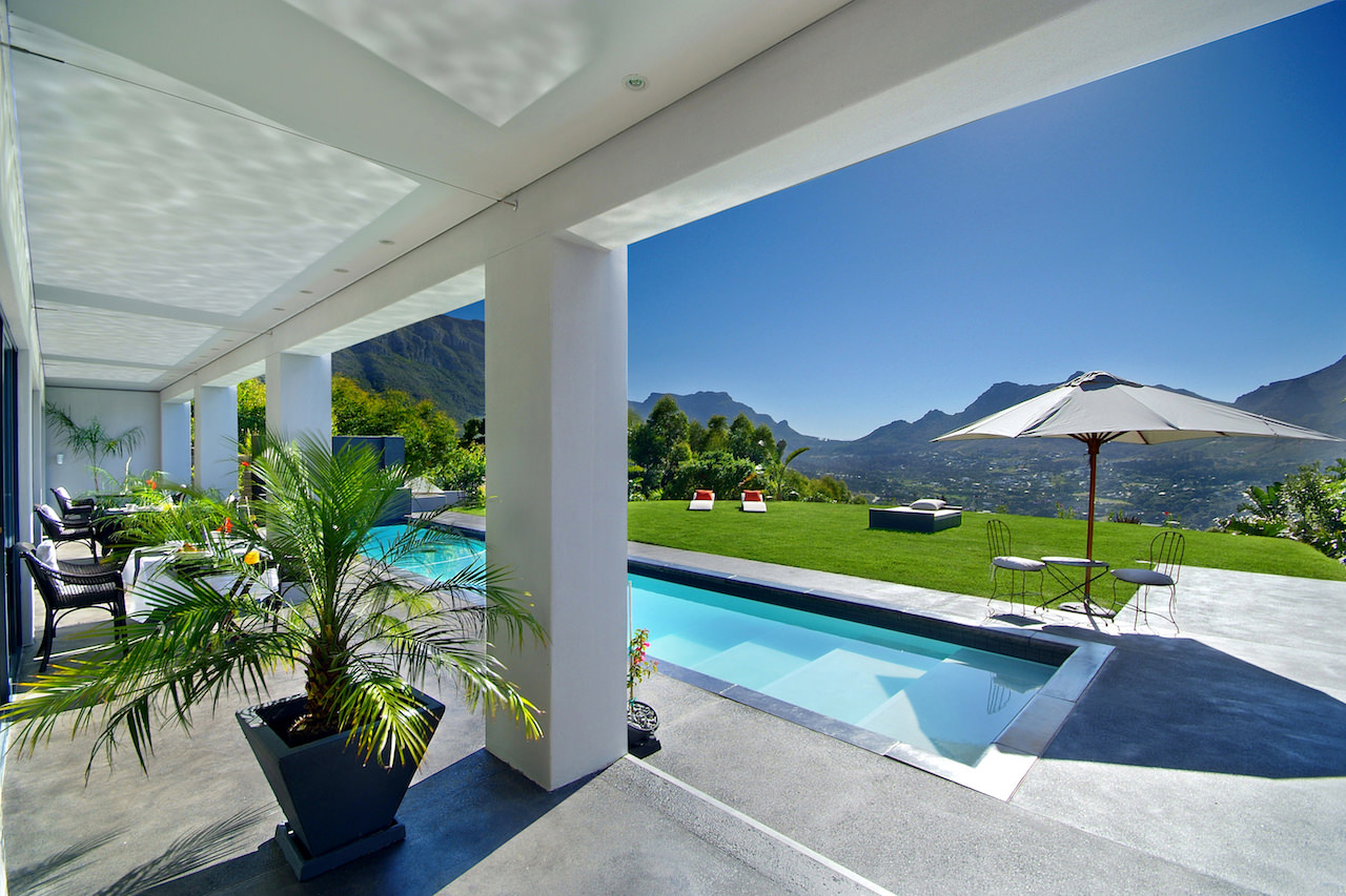 THE PLATINUM BOUTIQUE HOTEL | The view from a Pool Suite