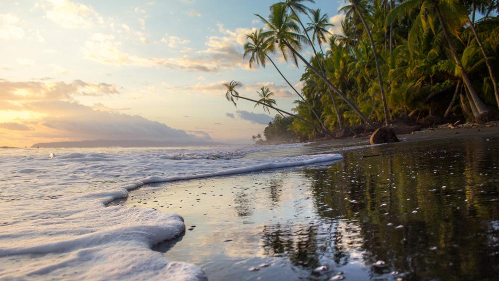 warm water costa rica