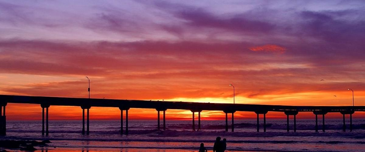 The sun is setting on SURF-VILLAS.COM